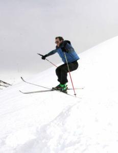 Du gjetter aldri hvor denne typen st�r p� ski