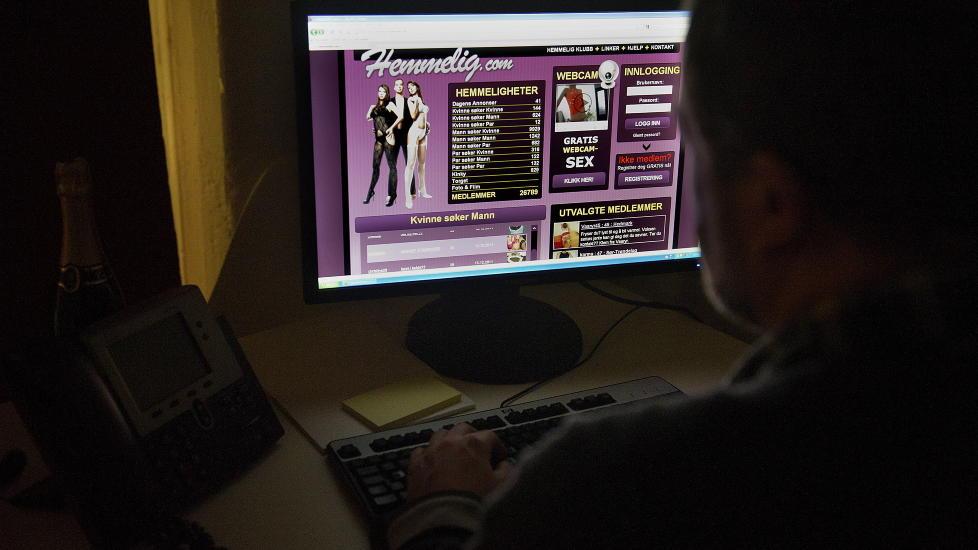 KJ�PTE ALDRI SEX: Men mannen var sv�rt n�re ved � m�te nettprostituerte gjennom Hemmelig.com. Han er fortsatt redd for � bli avsl�rt, og vil n� snakke ut med kona si. Foto: �istein Norum Monsen / Dagbladet