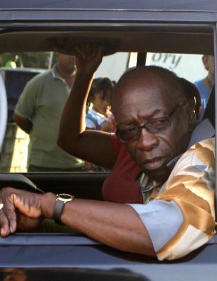 Hevder Sepp Blatter ga ham TV-rettigheter mot st�tte i presidentvalget