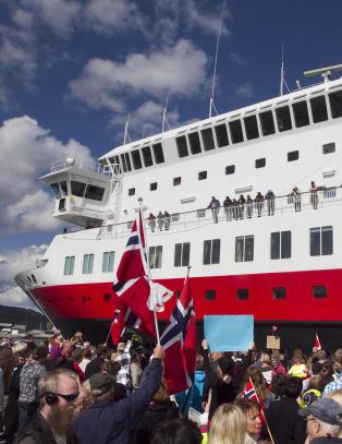Hurtigruten reddet NRK