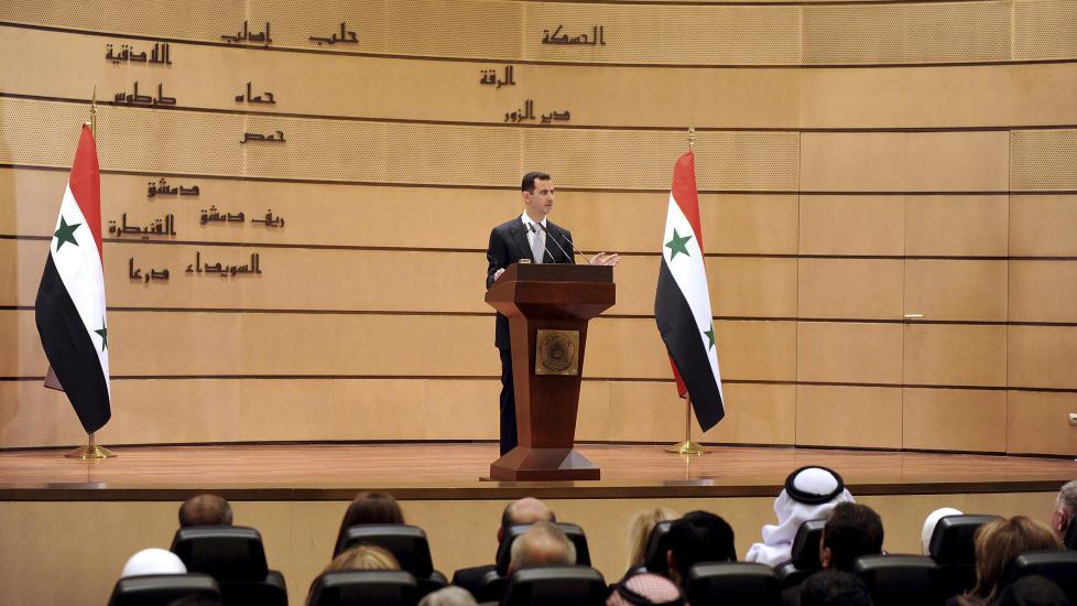 VARSLER FOLKEAVSTEMNING: Syrias president, Bashar al-Assad, langet ut mot en �utenlandsk sammensvergelse� samtidig som han foreslo folkeavstemning og nyvalg i �r i en overraskende tale. Foto: SANA/REUTERS