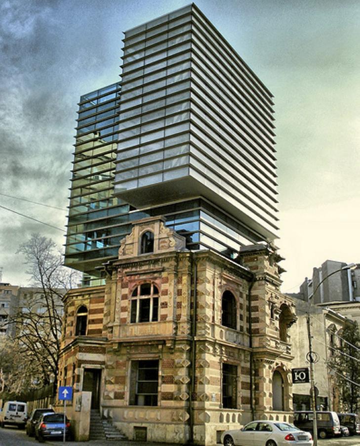 FINURLIG: Noe nytt og noe gammelt i skj�nn forening, eller ikke fullt s� skj�nn? Foto: unusual-architecture.com
