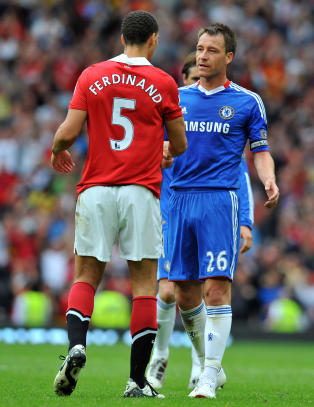 Sir Alex ber Ferdinand ta Terry i h�nda