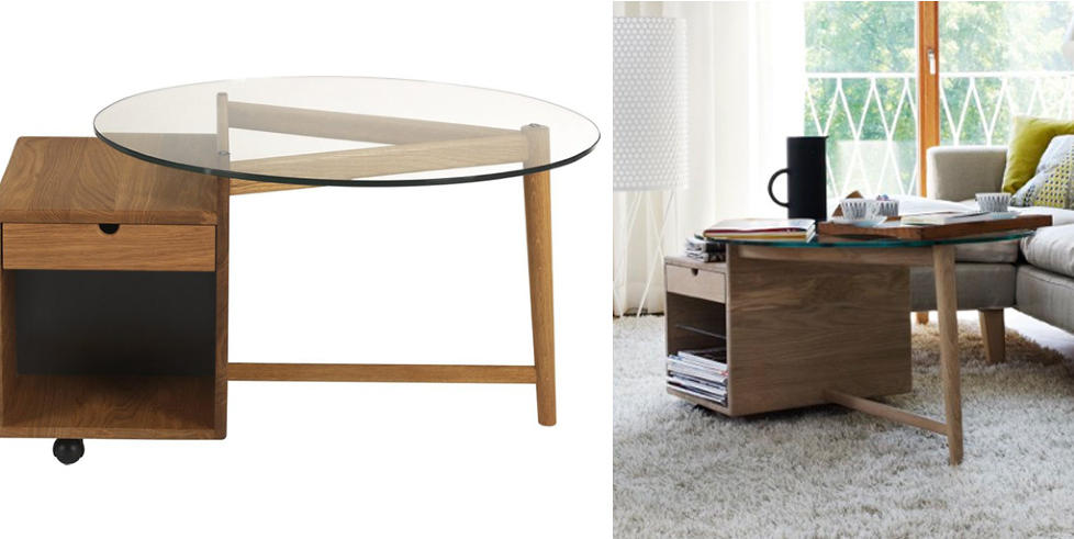PRAKTISK OG PENT: Smarte småhyller i sofabordet gjør at aviser og fjernkontroller ikke trenger å flyte rundt. Foto: Produsenten