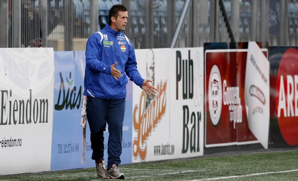 GODSET-TAP: Godset-trener Ronny Deila sa laget sitt tape mot Nordsj�lland p� La Manga. Foto: Marius Knutsen / Scanpix