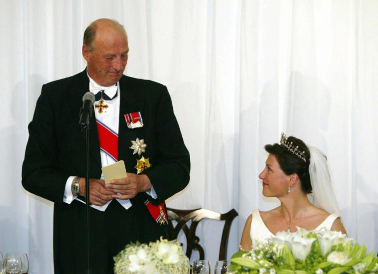 Kronprins haakon bryllupstale lyrics