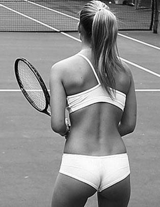 Tennis i trusa