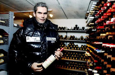 DEN F�RSTE FLASKA: Han trodde den kostet 150 franc men kontoutskriften viste 1500. En vinentusiast ble til. Ch