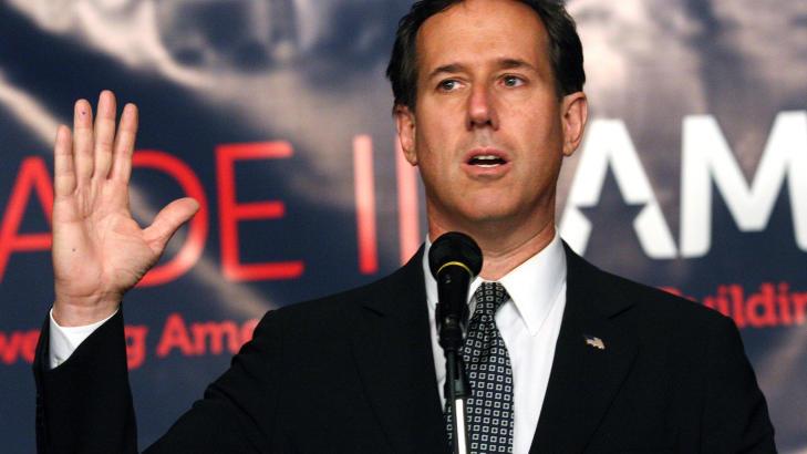 TEGN P� SVAKHET:  Rick Santorum, som kjemper om � bli republikanernes presidenkandidat, mener Obamas unnskyldning viser tegn p� svakhet. Foto: REUTERS/Rebecca Cook/Scanpix