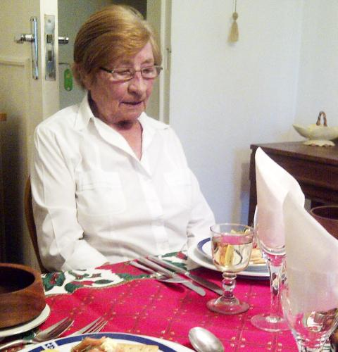 DREPT: Johanna Moore (78) ble funnet drept i sitt hjem torsdag morgen. Foto: PRIVAT