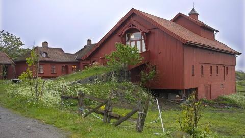 NERDRUMS G�RD: I dag ble det kjent at den norske kunstneren f�r tilbake R�vik g�rd.   FOTO:TORBJ�RN BERG/DAGBLADET