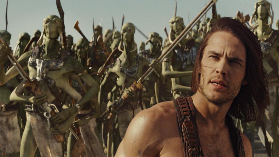 TARZAN P� MARS: Taylor Kitsch blir venn med de gr�nne marsboerne i �John Carter�.