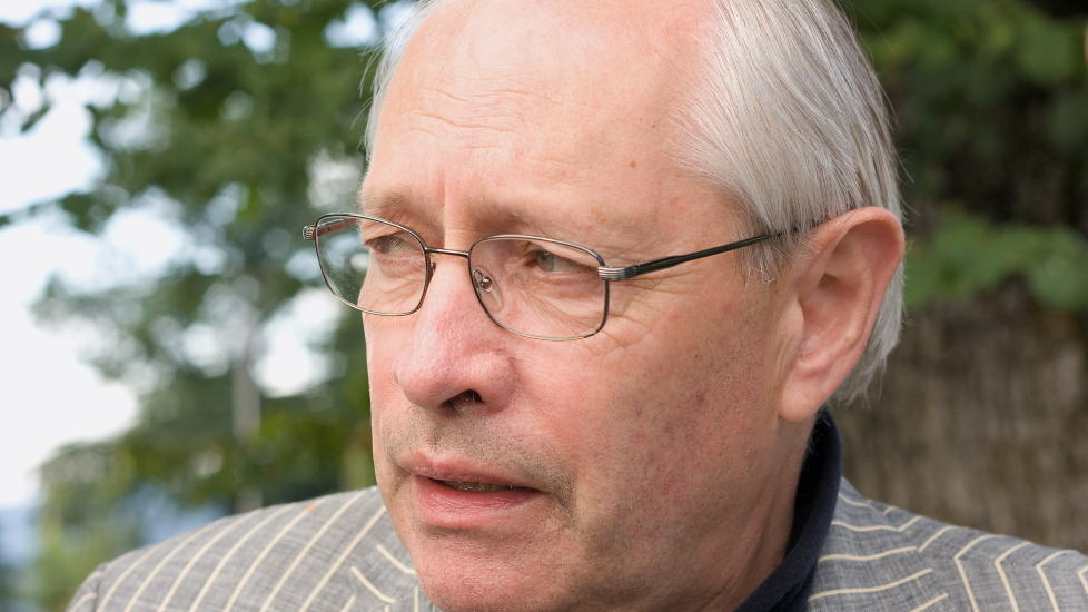 TAR BLADET FRA MUNNEN: Ap's parlamentariske nestleder Martin Kolberg. Foto: ERIK HATTREM / DAGBLADET