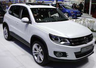 NYTT GLIS: Vibeke Skofterud f�r en Volkswagen Tiguan for rekordl�pet i Vasaloppet. Hun vet enn� ikke hva hun vil gj�re med bilen.Foto: SCANPIX/REUTERS/Valentin Flauraud