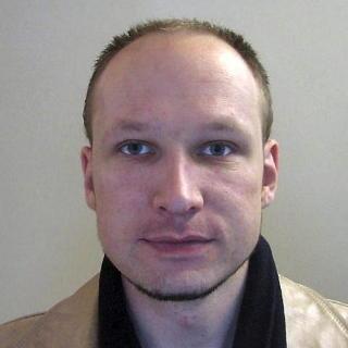 TILTALT: Politiet har frigitt dette bildet av Anders Behring Breivik, mannen som har innr�mmet � ha drept 77 personer i terrorangrepene i Regjeringskvartalet og Ut�ya 22. juli. Foto: Politiet