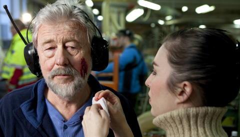 LIKHET:  Jan Sj�lli ligner p� Kjell Arne Nordby - her med smink�r Michelle Johansen. Foto: Anders Gr�nneberg