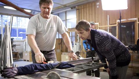 TESTING: Makaber testing m� til f�r kamera g�r. Foto: Anders Gr�nneberg