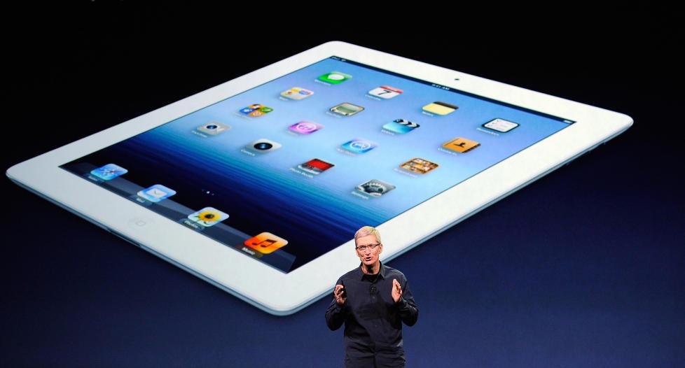 RASKERE; BEDRE: Ingen oddsbomber da Apple-sjef Tim Cook presenterte den nye iPaden i San Francisco i dag. Foto: SCANPIX