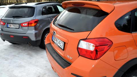 ETTERMONTERT: Hekkspoileren p� v�r test-Subaru er ettermontert. Det samme gjelder gummilistene p� bakfangeren. Likevel synes vi Subaru XV er litt t�ffere � se p� enn ASX. Foto: ANDREAS HANDELAND