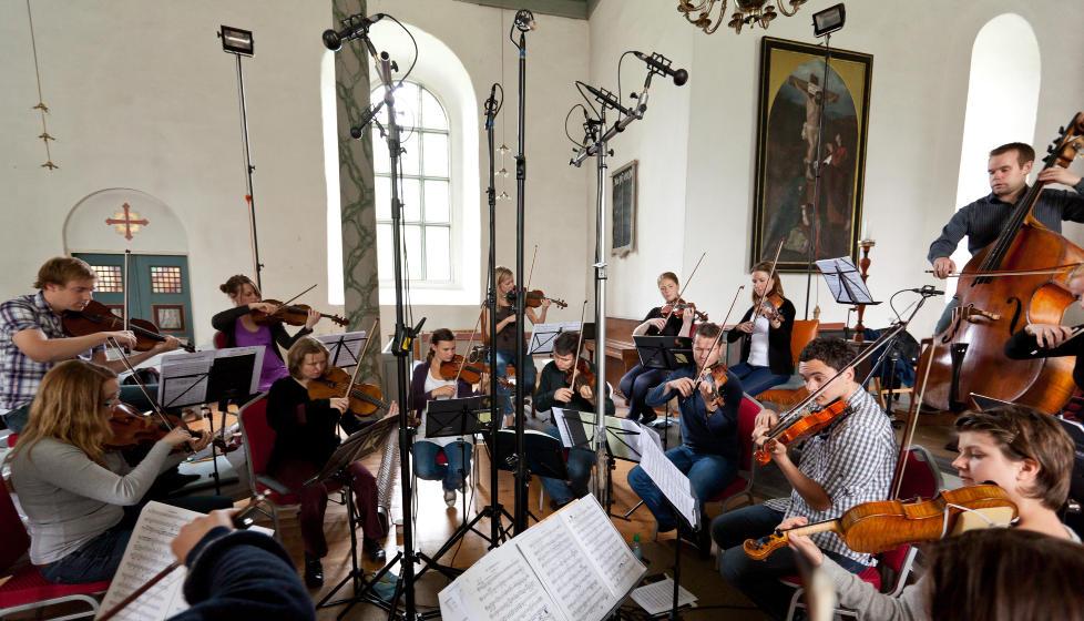 VINYLINNSPILLING: Trondheimsolistene i Selbu kirke. Foto: 2L