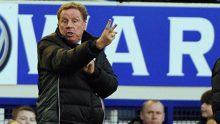 TAP, TAP, TAP: Harry Redknapp og Tottenham har opplevd en formdupp etter spekulasjoner om at Spurs-sjefen kan bli landslagssjef. Foto: EPA/PETER POWELL
