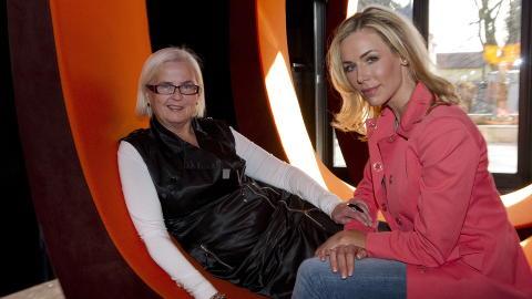 REISTE SAMMEN: Helen Bj�rn�y og Gunhild Stordalen reiste ned til Etiopia p� bes�k sammen.  Foto: �istein Norum Monsen / Dagbladet