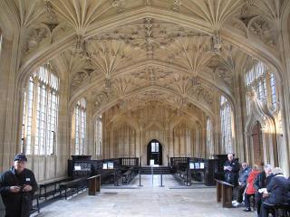 SYKESTUA: Divinity School fungerte som sykestue i filmene om Harry Potter. Foto: GUNNAR RINGHEIM