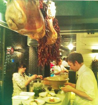 GOD MAT: Jamie Oliviers italienske restaurant byr p� et stort utvalg av lekre retter. Foto: GUNNAR RINGHEIM