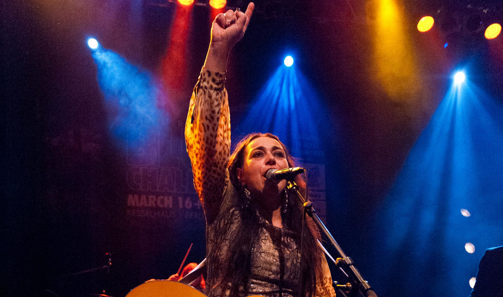NUMMER �N I EUROPA: Rita Engedalen og bandet Backbone kunne i g�r juble etter � ha vunnet den gjeve blueskonkurransen. Foto: Roald Jung�rd