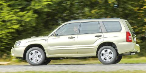 SUV-EN SUBARU FORESTER: En lettkj�rt og praktisk bil med permanent 4WD. Det gir god framkommelighet og stabile vinteregenskaper. Hos Dekra er Forester blant de beste SUV-ene: 69,6 % er uten feil.