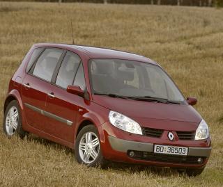 RENAULT SCENIC: Komfortabel og praktisk er n�kkelord for denne flerbruksbilen, som ikke er like anerkjent i Norge som VW Touran, og derfor desto mer prisgunstig som brukt.