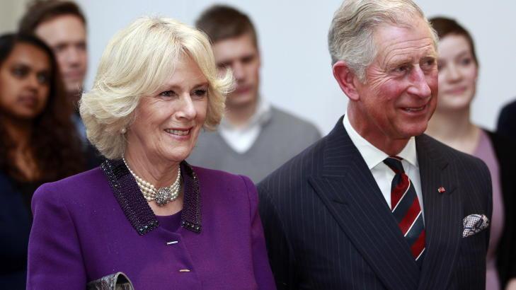 MED HERTUGINNEN:  Prins Charles og hertuginne av Cornwall, Camilla, under musikkeansen på Nobels fredssenter i Oslo tirsdag kveld.  Foto: Lise Åserud / Scanpix