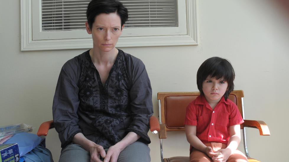 NOE ER GALT: Tilda Swinton er formidabel i rollen som moren til gutten som beg�r en skolemassakre i �We Need To Talk About Kevin�.