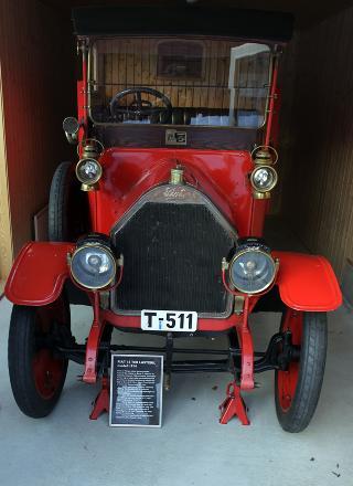 NORGES ELDSTE: Denne postbilen, en Fiat, er Norges eldste lastebil i kj�rbar stand. Den gjorde tjeneste i Kristiansund fra 1920 til 1932. Foto: OLE C.H. THOMASSEN