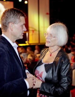- Aasland og Solheim ut av regjeringen fredag