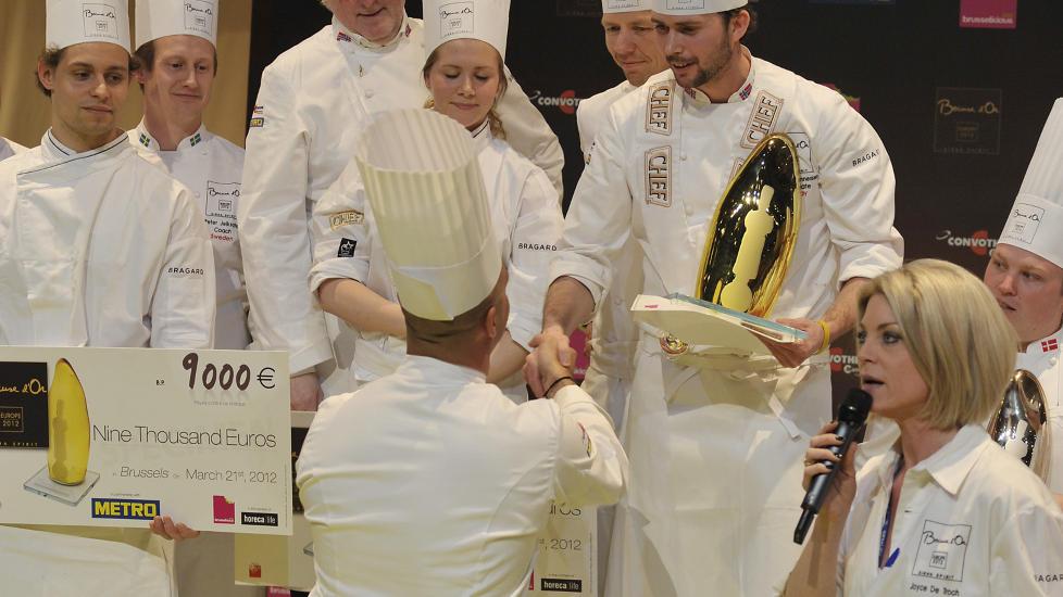 GULL:  Ørjan Johannessen (26) vant i kveld gull i Bocuse d'Or Europa i Brussel. Foto: Impuls