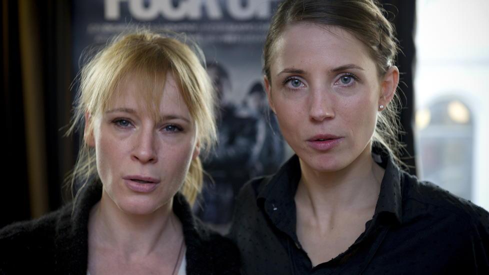 NORGESVENNER: Danske Iben Hjejle (til venstre) og svenske Tuva Novotny trives med � lage film og tv-serier i Norge. For tiden er de begge � se i den norske kinofilmen �Fuck Up�. Foto: �istein Norum Monsen / Dagbladet
