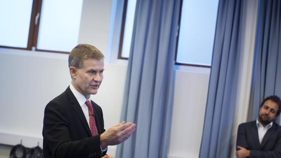 PRESSEKONFERANSE I: Erik Solheim i SV holder pressekonferanse i forbindelse med sin avgang som milj�- og utviklingsminister. Foto: Kyrre Lien / Scanpix