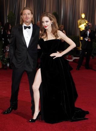KVELDENS FREKKESTE: Denne kjolesplitten var Oscar-festens mest vågale. Foto: Lucas Jackson / Reuters / Scanpix