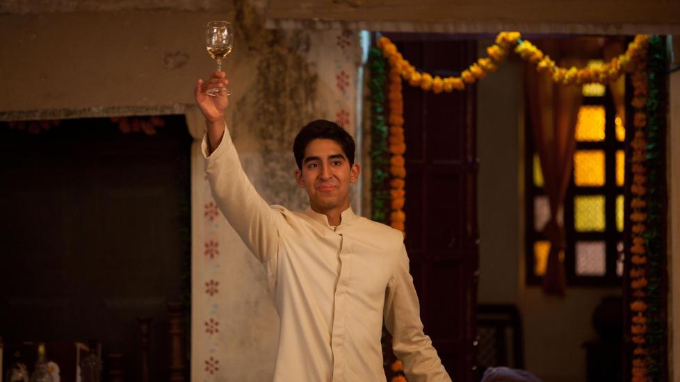 SLUMDOG: Dev Patel gjorde braksuksess med filmen Slumdog Millionaire. N� er han aktuell som hotelldirekt�r i Best Exotic Marigold Hotel. Foto: Scanpix