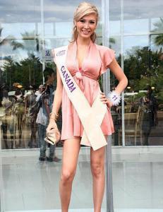 Jenna (23) disket fra Miss Universe