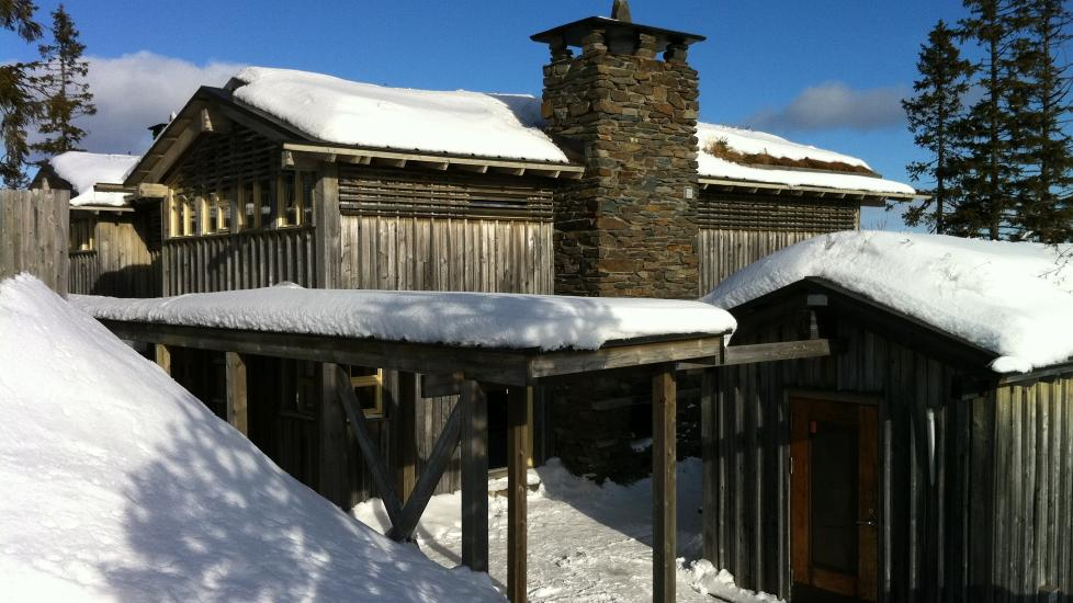 KJENDISHYTTE: Furuseth-hytta i Kvitfjell er meget velutstyrt og er et godt valg for dem som vil dele p�skeferieopplevelsene med andre familier. Foto: ODD ROAR LANGE