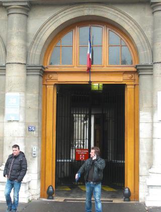 36 QUAI D'ORFEVRES: Hovedkvarteret til Paris-politiet, der inspekt�r Maigret har sitt kontor. Hit slepes vitner og mistenkte til avh�r med politisjefen og hans kolleger. Rykter forteller at det skal finnes et rom i bygningen som er en eksakt replika av Maigrets v�relse, slik det er beskrevet av Simenon. Foto: FREDRIK WANDRUP