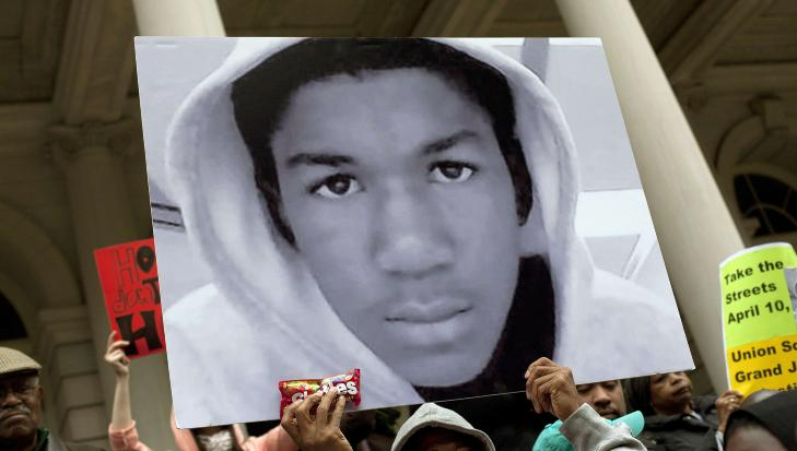 �JUSTICE FOR TRAYVON�: Det har v�rt flere demonstrasjoner i USA der folk krever en lovendring. Dette bildet er fra New York i g�r. Zimmerman har g�tt i skjul av frykt for sitt eget liv. Foto: Allison Joyce/Getty Images/AFP/ScanpixNTB