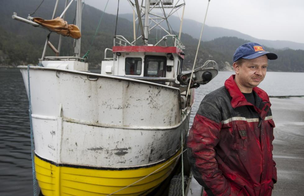 MISTET JOBBEN: Da fisker Arve Hersdal uttrykte bekymring offentlig om hvilken p�virkning AF Decoms virksomhet i Vats har p� milj�et, bla han u�nsket i det p�g�ende milj�overv�kingsprogrammet som Niva utf�rer for selskapet. Foto: Tor Erik H. Mathiesen