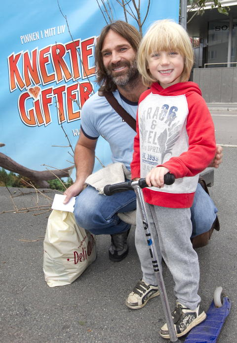 PAPPA 50/50: Christer Falck har s�nnen Isak (p� bildet) og datteren Iben annenhver uke, noe som if�lge han selv er �det beste som har skjedd�. Foto: Scanpix