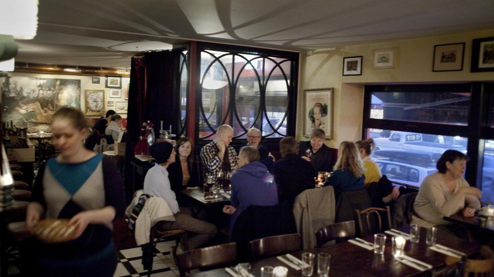 Franske f�lelser:  � entre Andreas Viestads grillrestaurant, gir en umiddelbar f�lelse av � komme til Paris. FOTO: ADRIAN �HRN JOHANSEN/ DAGBLADET