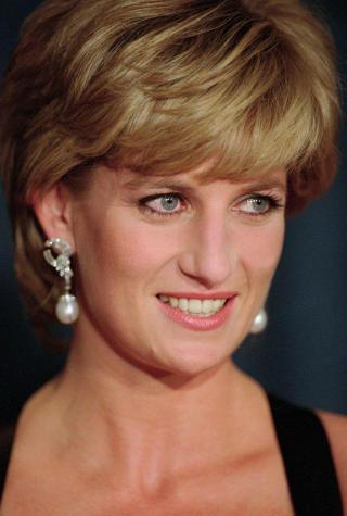 SKAL PORTRETTERES: Avd�de prinsesse Diana skal portretteres av skuespiller Naomi Watts i filmen �Caught In Flight�. Foto: AP Photo/NTB Scanpix