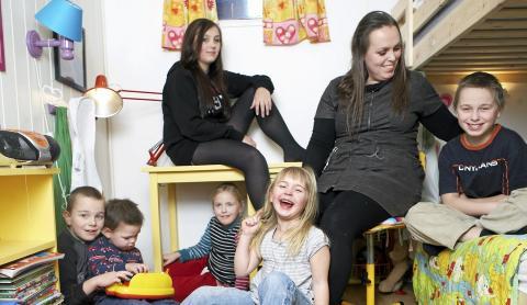 STORFAMILIEN: - Barna mine l�rte raskt at de m� ta hensyn til hverandre, sier mamma Linda Hagen. Geir Dokken