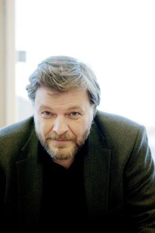 ADVARER:  Overlege og medisinsk fagdirekt�r ved Statens legemiddelverk, Steinar Madsen, er bekymret for om melanotan utvikler sjansen for � f� ondartet f�flekkkreft. Foto: Torbj�rn Gr�nning / Dagbladet
